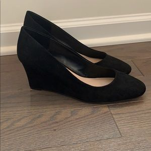 Kelly & Katie Black Wedge Pump - EUC